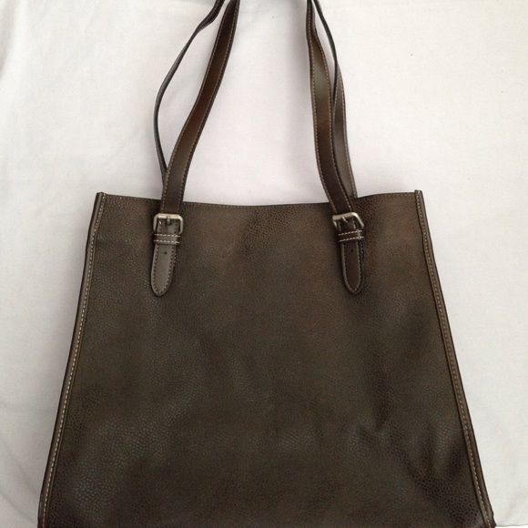 Gap tote bag Gap tote bag with snap closure. Interior zip pocket. Some scuff marks as shown in pics. GAP Bags Totes