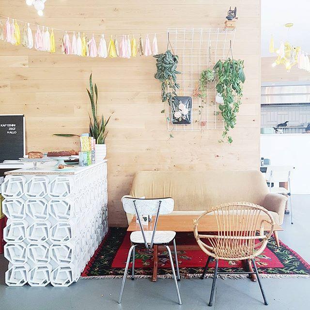 [ h o t s p o t ] 💛 Ontbijttip in Antwerpen🍴@kaffee_barnini #goodmorning #breakfast #hotspot #antwerp #antwerpen #ontbijt #food #tip #restaurant #coffee #bagels #belgium