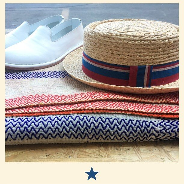 Blue, red and white are perfect for summer accessories. Raffia hat, hand made white leather shoes and kanta blanket. ⭐️#bacomilano #shopping #milano #shop #shopourinstagram #shoponline #shoplocal #fashion #instafashion #girl #womanstyle #womanfashion #styles #style #fashionmagazine #ss17collection  #spring #summer #summeroutfit #summervibes #hat #raffiahat