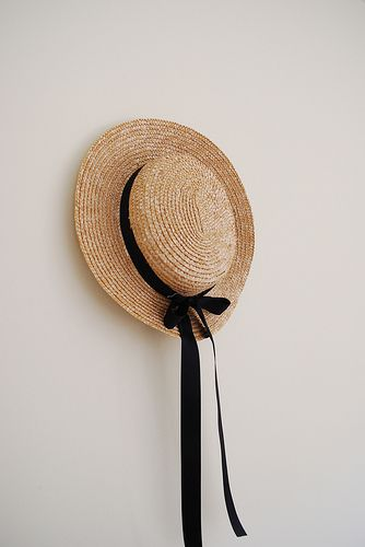 Love this straw hat. All it needs is a trip to the country, a big field and a little breeze #bliss