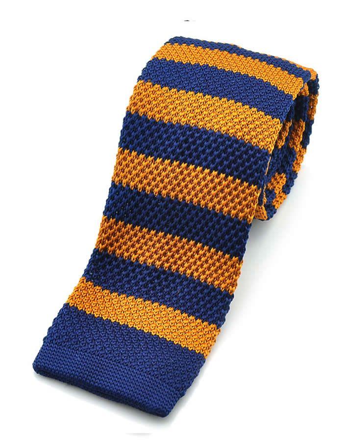 Prúžková hipster kravata s modro-oranžovými prúžkami. Square end tie - kravata s ustrihnutým koncom.