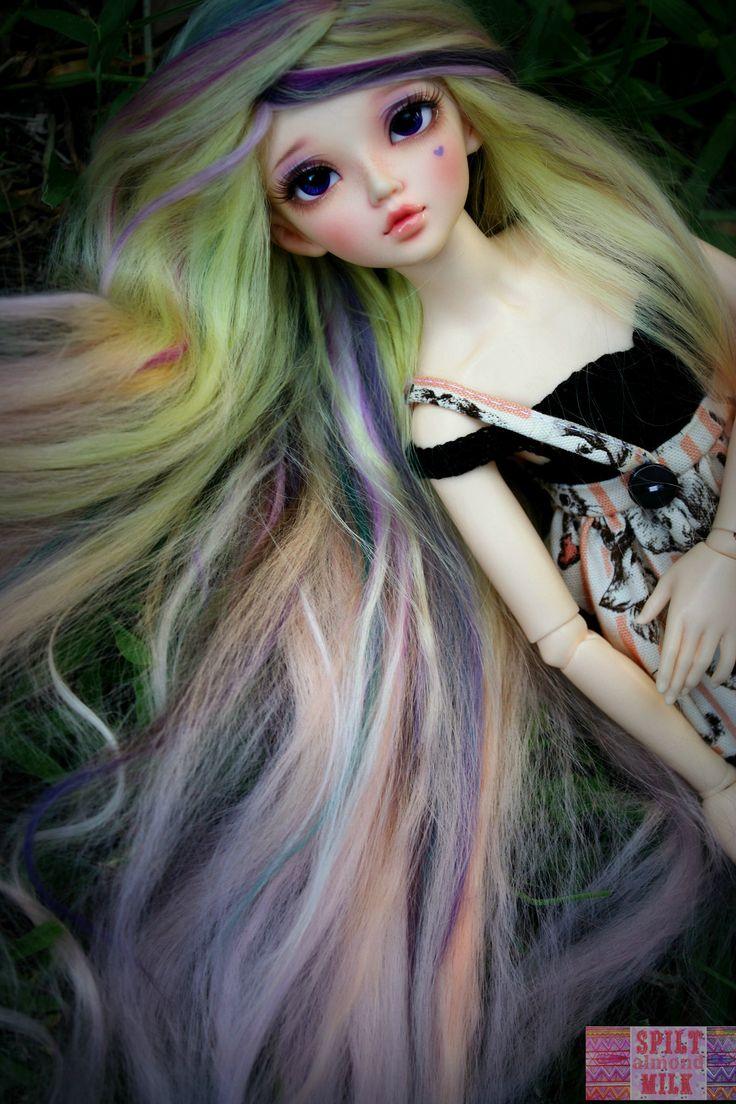 Momoko <3  My Minifee Chloe, customized by Andreja.  Mohair wig made by me.