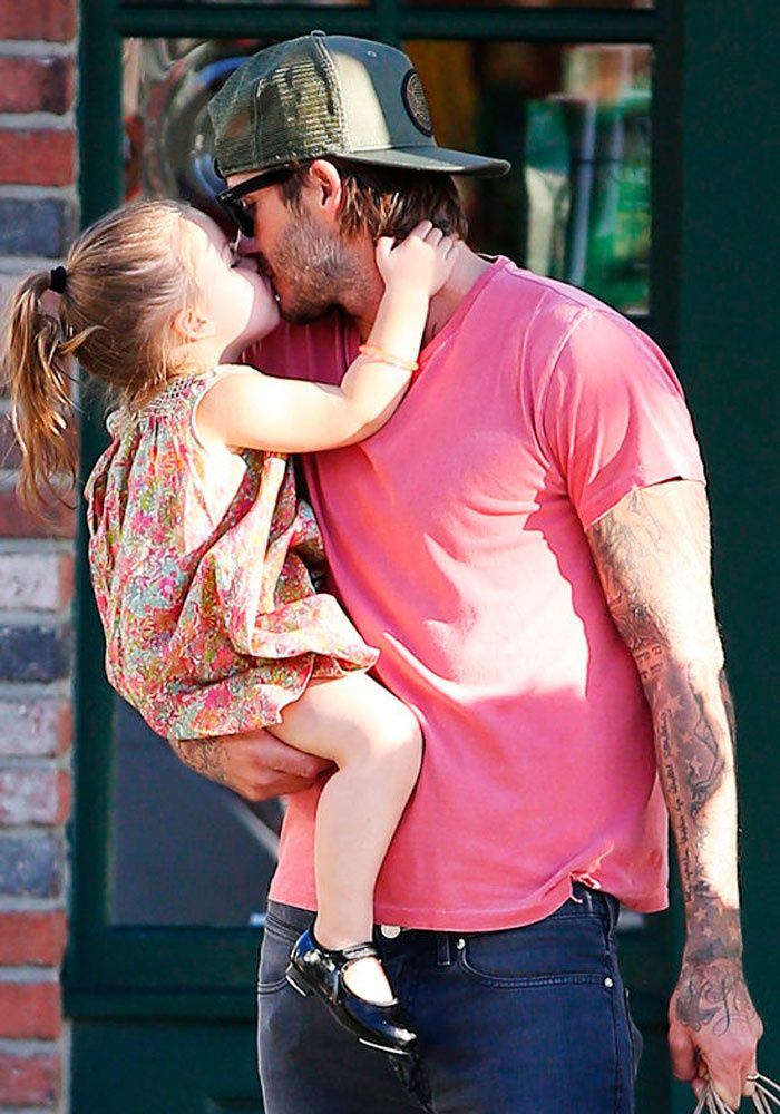 | David  Harper Beckham kisses |