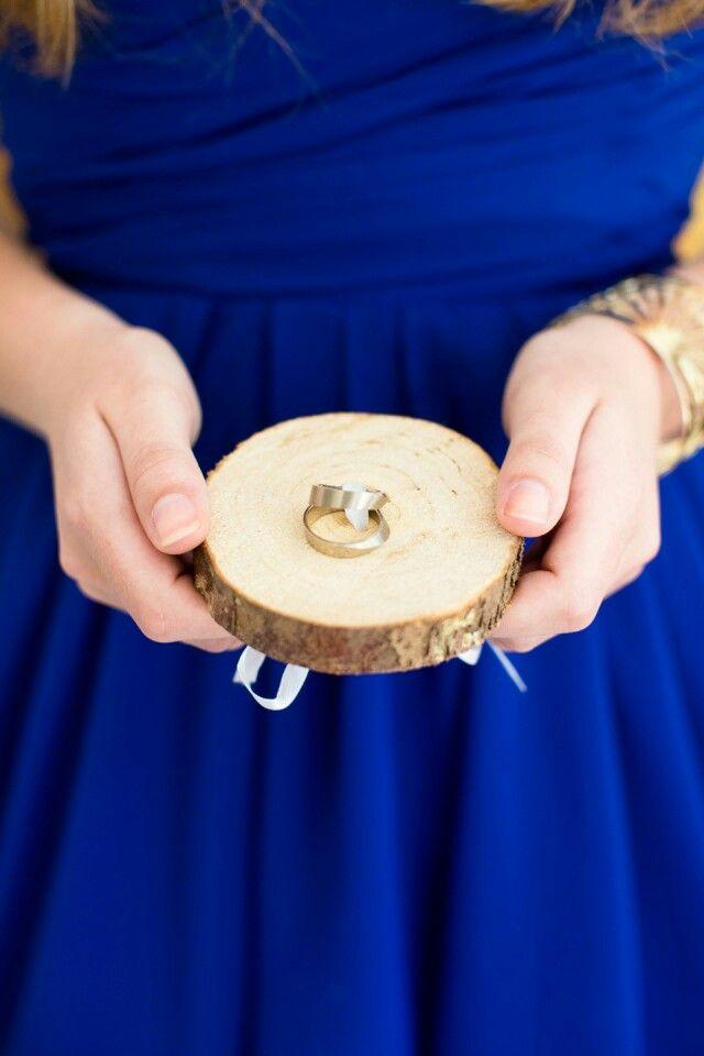 Ringen kussentje van hout