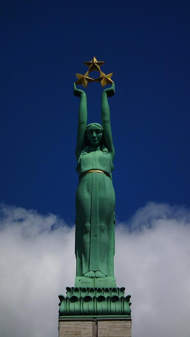 """Lithuanian Art Deco Statue of Freedom atop the """"Monument to Freedom"""", Riga, Latvia. Re-pinned by #Europass"""
