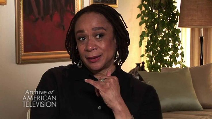 Epatha merkerson on quot law amp order quot s transition from orbach to farina