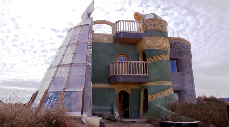 Earthships These Cute Houses In New Mexico Are Built From
