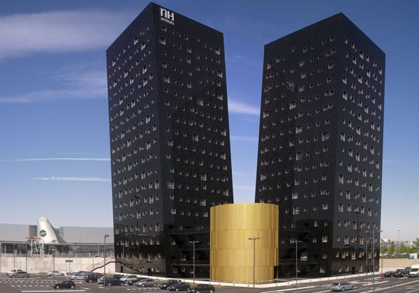17 best images about landscapes buildings on pinterest for Nh hotel milano