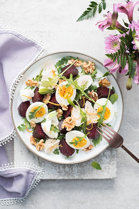 INGREDIENTS BY SAPUTO | This hearty, colourful salad recipe is a must-try! Made with arugula, hard-boiled eggs, roasted red beets and walnuts, it's the ideal way to showcase Saputo Bocconcini cheese. What could be better than a quick meal idea with fresh spring ingredients?
