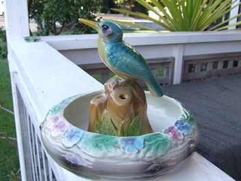 Crown Lynn Bird and Float Bowl.