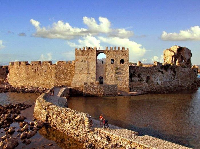 Το ωραιότερο κάστρο της Ελλάδας είναι χτισμένο μέσα στη θάλασσα