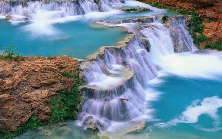 Desde el punto más alto de este afluente hasta el lugar más bajo, el turista puede apreciar el tono azul turquesa del agua. Foto: info7.mx