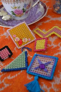 Easy Brooches for Kids! - van Doorn y Villegas