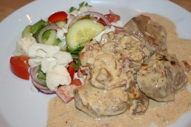Krämig fläskfilégratäng med färskost, vitlök och bacon 5