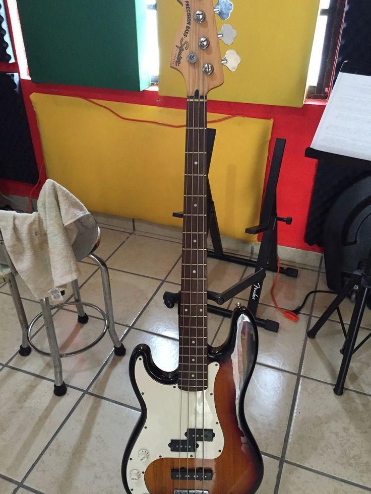 Bajo Zurdo Fender Squier - $ 1,799.00 en MercadoLibre