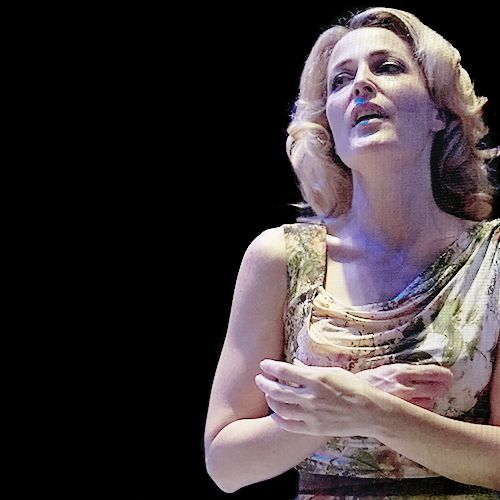 best blanche dubois images gillian anderson  gillian anderson in a streetcar d desire 2014