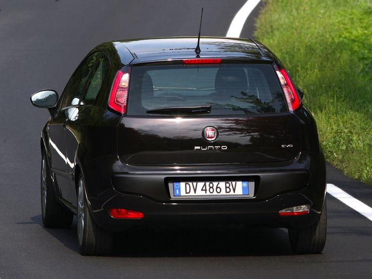Black FIAT Grande Punto 3