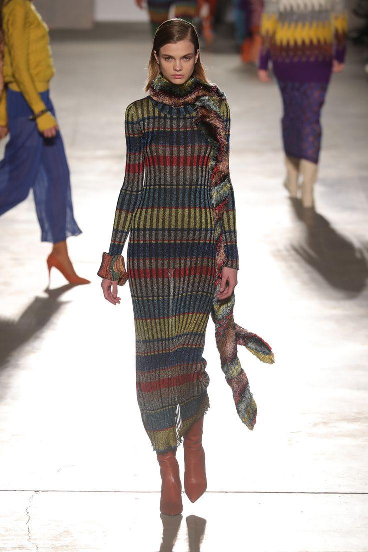 Grife italiana apresentou coleção de inverno 2018 durante a semana de moda de Milão