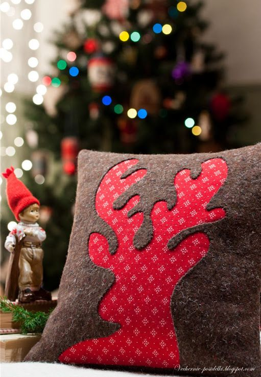 Love this Christmas cushion cover - have it as a removable cover so can swop depending on the season?!