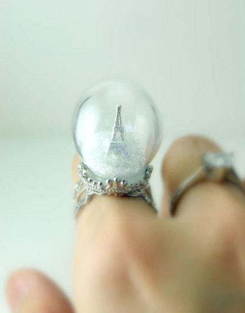 snowglobe ring!!!!  SO COOL