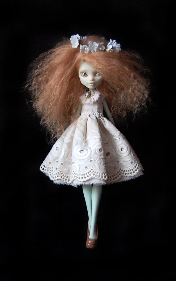 Custom repaint Monster High Doll Frankie Stein by FaustoyGretchen