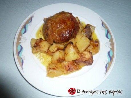 Εύκολα μπιφτέκια στο φούρνο με σως απο μουστάρδα,πορτοκάλι και μυρωδικά.