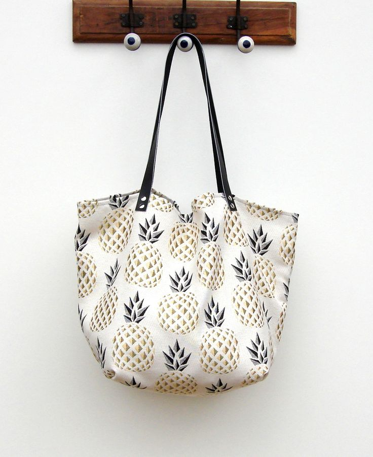 Grand sac cabas ou shopping en tissu d'ameublement impression ananas . : Sacs bandoulière par lounah