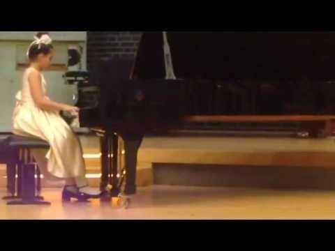 Victoria Wachenfeld plays F.Chopin Etüde op. 25 Nr.1