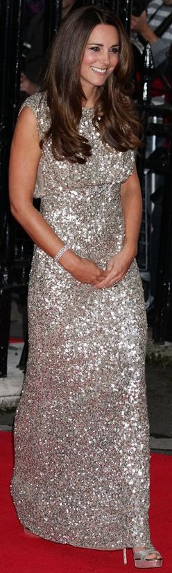 Kate Middleton: Dress – Jenny Packham  Shoes – Jimmy Choo