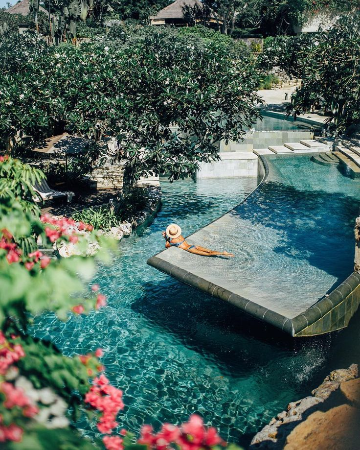 dreaming of this pool