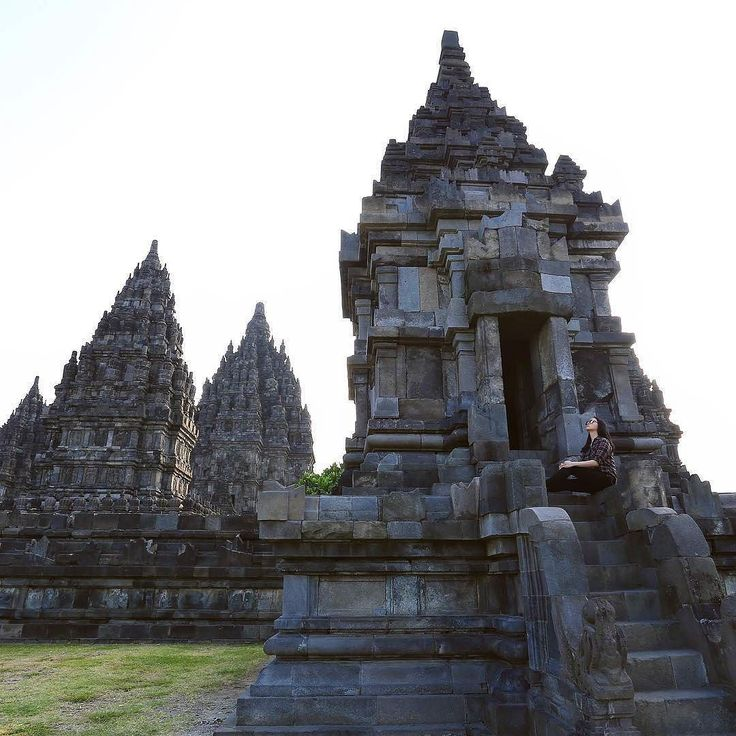 https://yoexplore.co.id  #prambanan #temple is always worth to #explore when you #visitindonesia  in particularly when you #exploreyogya.  At least these 5 (five) reasons will attract you to explore Prambanan further: (1). It's a UNESCO World Heritage Site which represent the Hindus culture during the Mataram Kingdom. It was built around 850 CE by Rakai Pikatan and continued by King. Lokapala and Balitung Maha Sambu. (2). Its phenomenal architecture will confirm you about the great expertise…