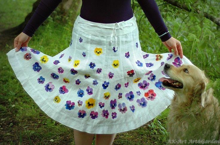 Ręcznie malowana spódnica w bratki, 100% len / Hand painted skirt with pansies, 100% linen