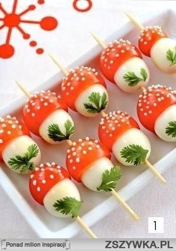 Zobacz zdjęcie Muchomorki – do ich zrobienia potrzeba: jajek przepiórczych, pomidorków koktajlowych, majonez, natkę pietruszki i wykałaczki do szaszłyków. w pełnej rozdzielczości