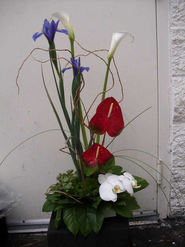 Red white and blue flowers arrangement for wedding events for Red white blue flower arrangements