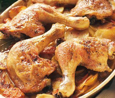 Ugnsstekt kyckling med barbecuegratäng