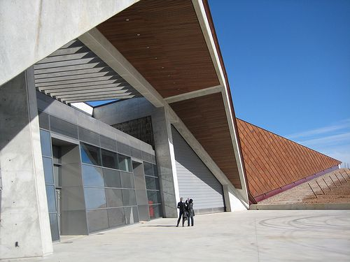 semi cubierta metálica bodega Portia, Norman Foster