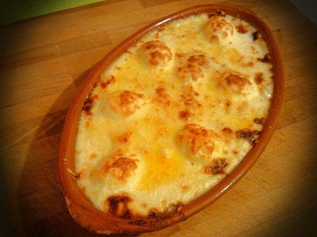 Gratinado de patatas con bacalao y huevos duros. #recetacuaresma #bacalao