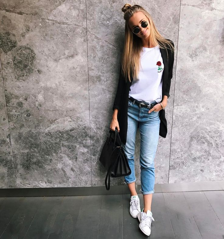 "13.6k Likes, 71 Comments - Brooke Hogan (@brookehogan1) on Instagram: ""Low key obsessed with these baby's I got from @topshop_au new denim collection. Legit the comfiest…"""