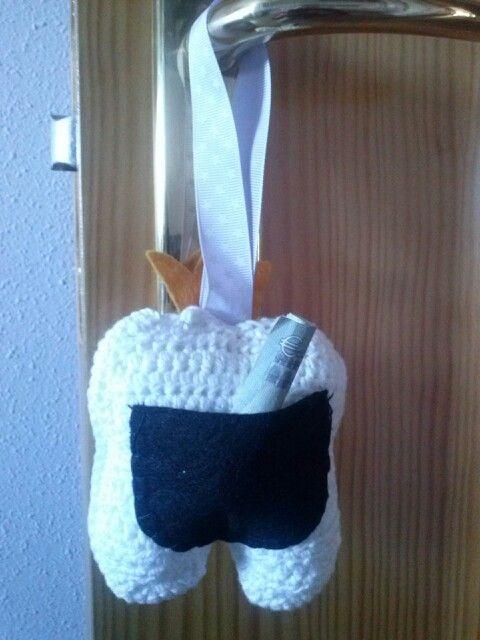 bolsillo trasero diente amigurumi
