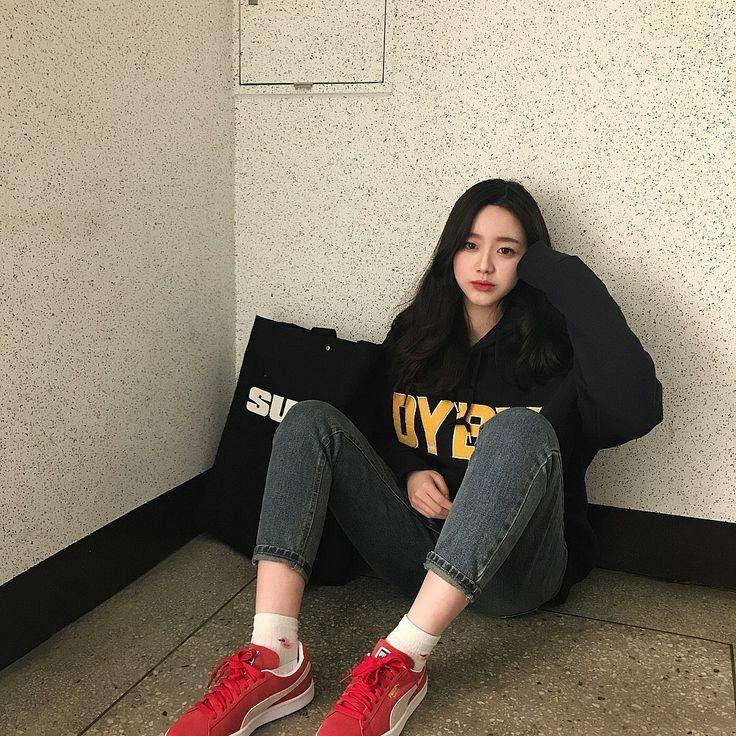 Ulzzang Girl uploaded by tsuki on We Heart It in 2019
