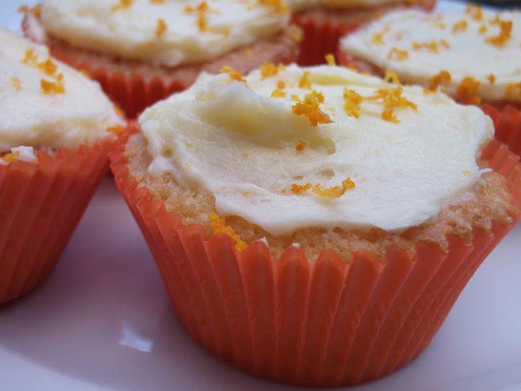 Eva's Smulhuisje: Sinaasappelcupcakes met oranjebloesemwater en sinaasappel-botercrème