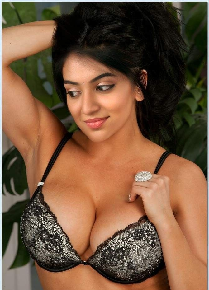 indian-girl-in-lingerie-skinny-sexy