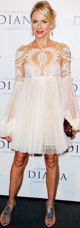 Naomi Watts in Marchesa this dress is everything
