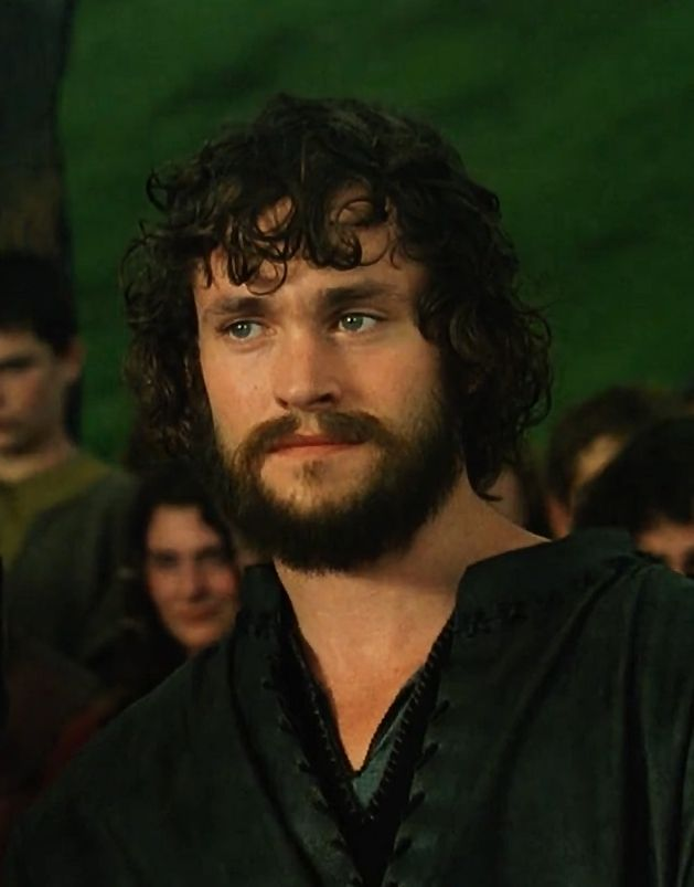 Hugh Dancy as Galahad, King Arthur 2004