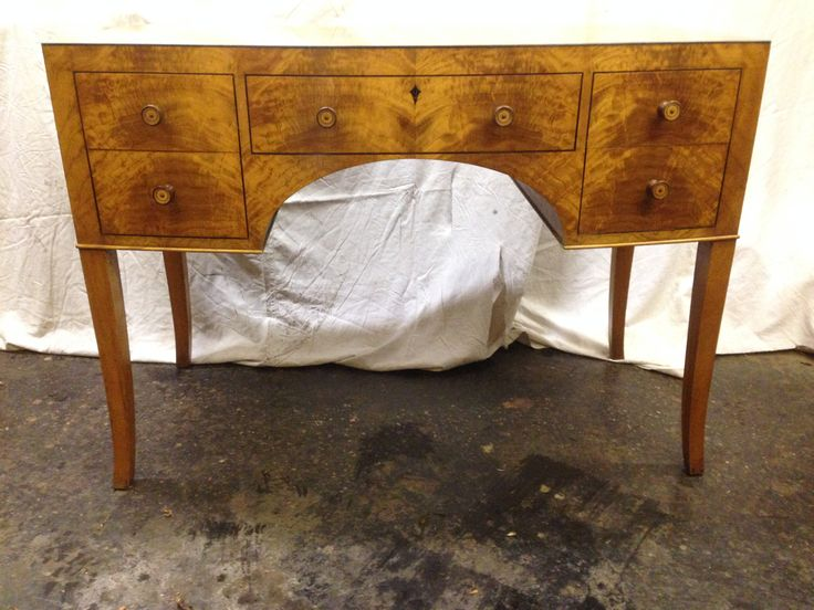 Satinwood waring and gilllows dressing table