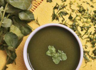 Essa sopa promete derreter até 4,5 kg em uma semana. Não tem erro: basta consumi-la com as frutas, os legumes e os temperos certos!
