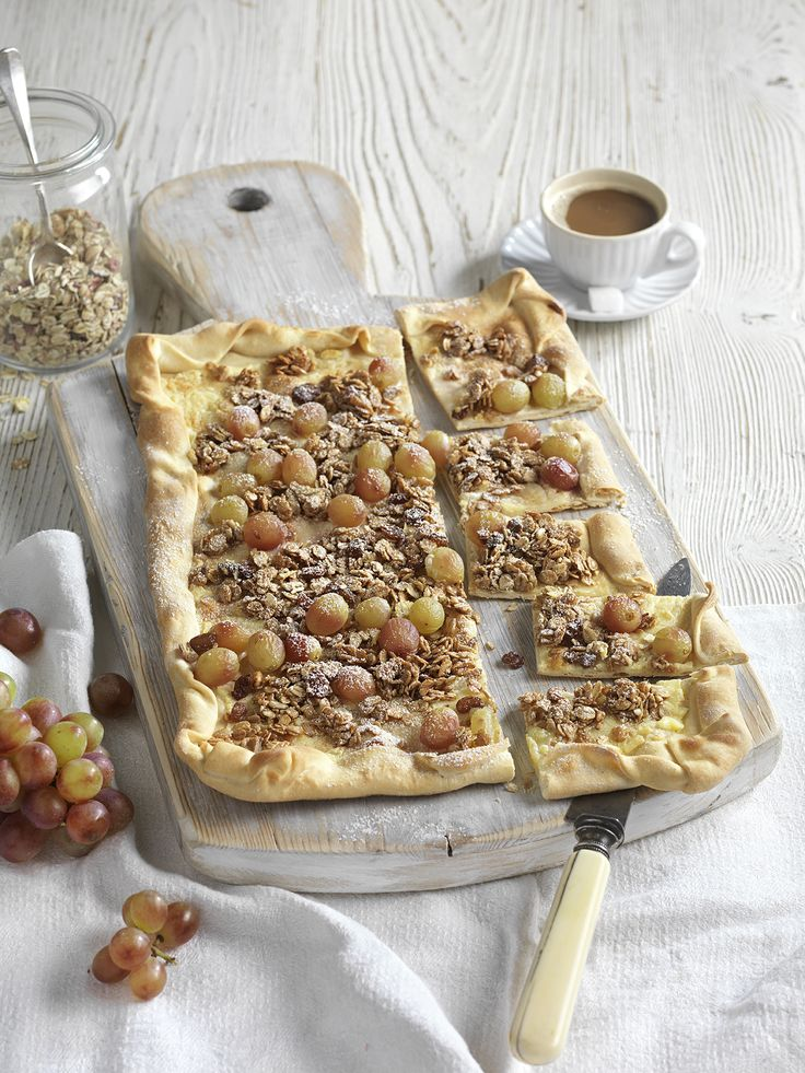 flammkuchen mit m slikrokant rezept hei er flammkuchen frisch aus dem ofen pinterest. Black Bedroom Furniture Sets. Home Design Ideas
