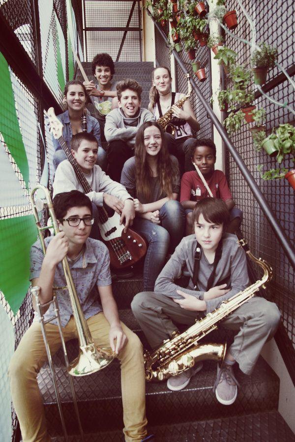 #MUSICA #BONANIT #BONDIA #CROWDFUNDING -  Ajuda'ns a aconseguir l'instrument que necessiten aquests joves músics de Barcelona per completar la seva formació, i contribuiràs a que segueixi sonant música a la seva escola. concepció saxo baríton +INFO http://www.bonanitbarcelona.es crowdfunding verkami http://www.verkami.com/projects/9117-un-saxo-baritono-para-la-escuela-musicaextra