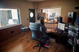 Resultado de imagen de interior estudio musica rap