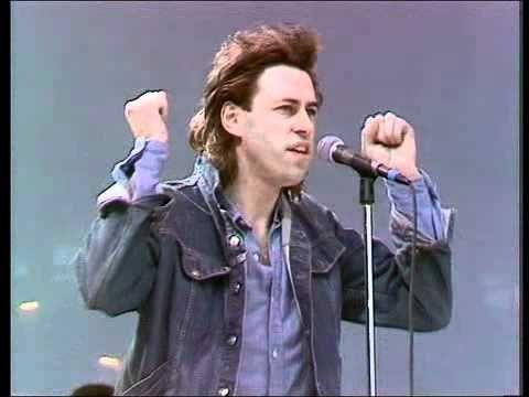 Live Aid 1985, Bob Geldof - http://www.ny-attractions.com/img/d2/d2b/LIVE_AID_1985_Boomtown_Rats_I_Don_t_Like_Mondays.jpg